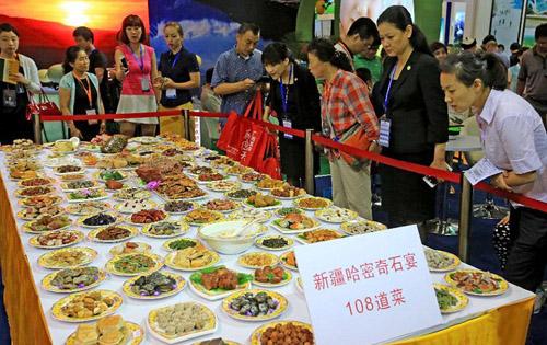 Đại tiệc 108 món ăn chỉ làm từ đá
